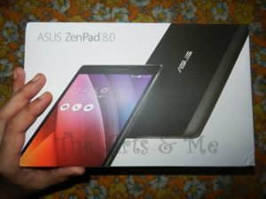 ASUS Zenpad 8.0 inside the box